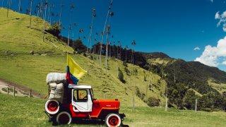 Jeep Willys dans la Vallée de Cocora en Colombie