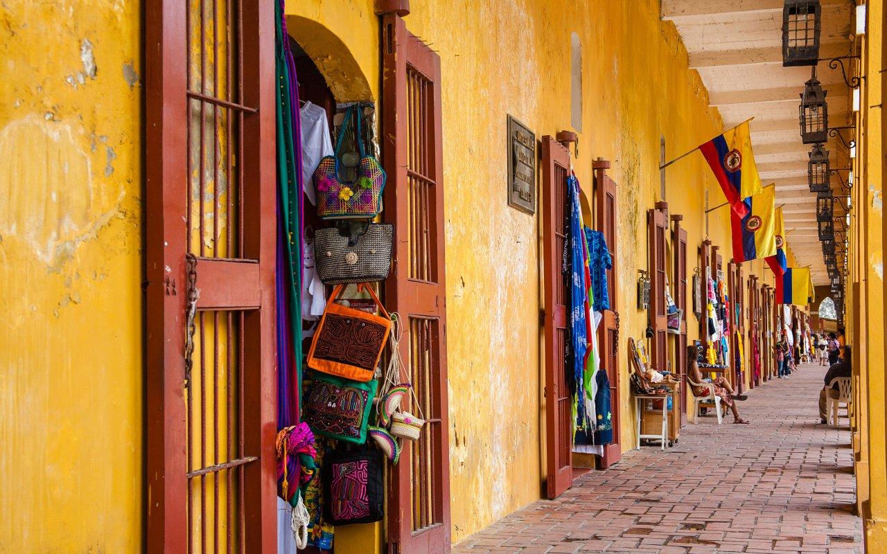 Souvenirs dans les rues de Carthagène en Colombie