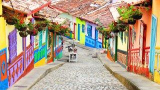 Les rues colorées du village de Guatapé en Colombie