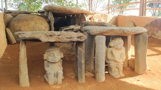 Statues à San Augustin
