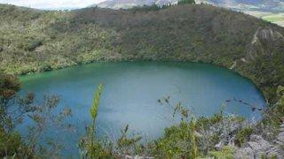 La lagune sacrée de Guatavita proche de Bogota