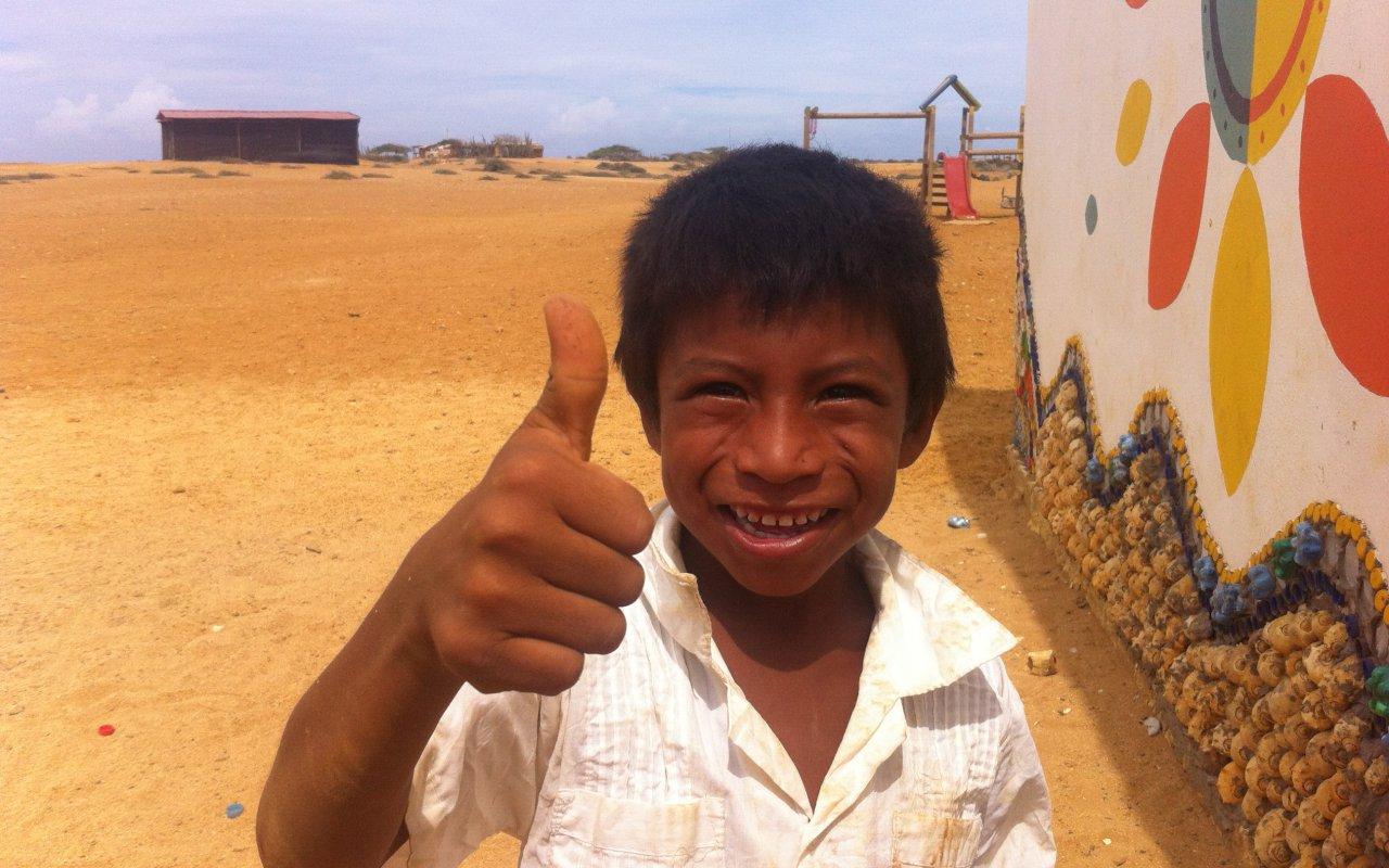 Un enfant wayuu dans la Guajira en Colombie