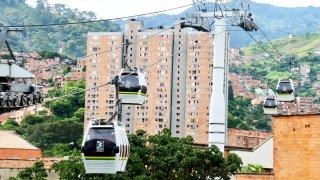 Les téléphériques de Medellin qui relient les comunas au centre ville