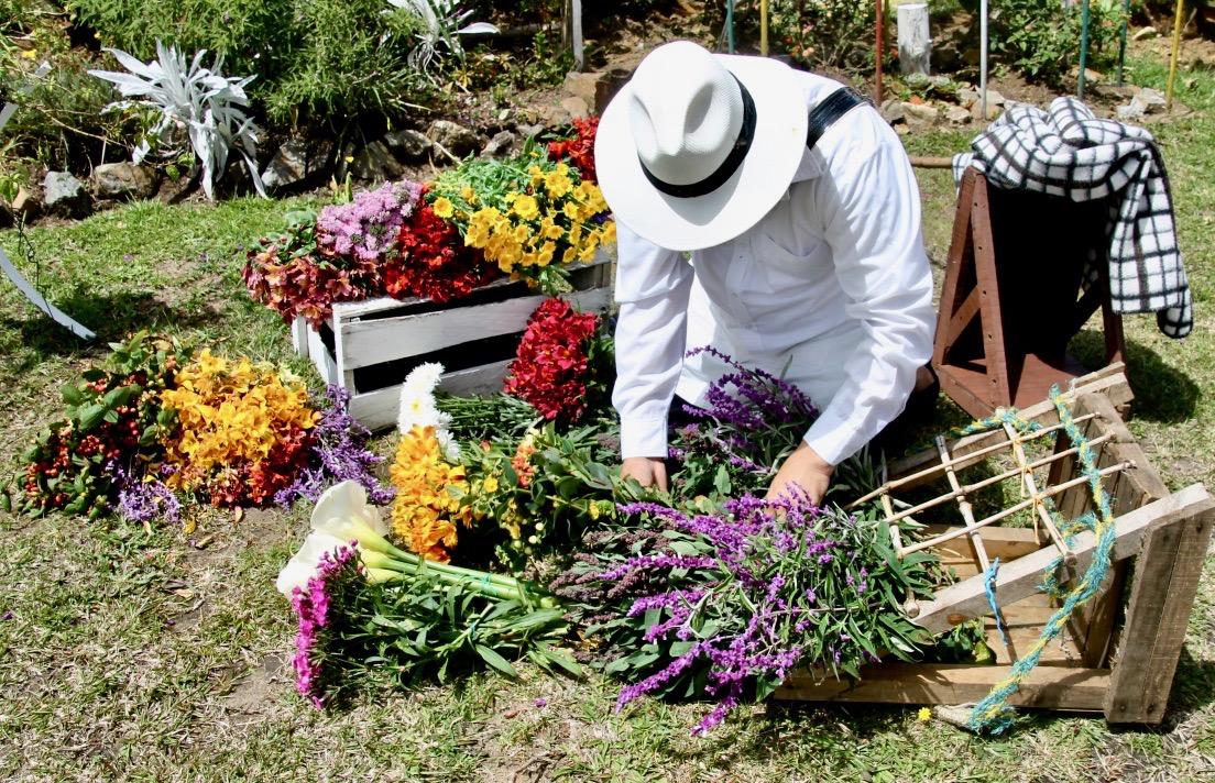 Les silleteros de la fête des fleurs à Medellin